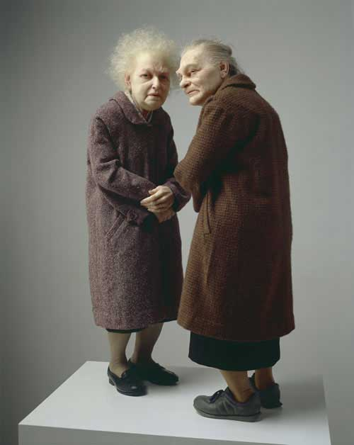Escultura de Ron Mueck, Two Women 2005